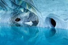 Marble Caves of Patagonia, Chile. Cuevas de Marmol is a year-old sculpture hewn by the crashing waves of Lake General Carrera of Patagonia in Southern Chile. Also called the Marble Cathedral. Beautiful Places To Visit, Places To See, Amazing Places, Amazing Things, Marble Caves Chile, Formations Rocheuses, Carrera, Pamukkale, In Patagonia