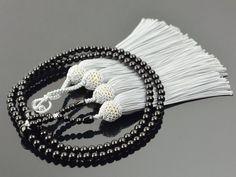 ブラックオニキス 共仕立て 正絹頭付き房(藤灰) 浄土真宗(門徒) 女性用本式数珠 | 数珠・念珠の専門店亀屋 京都の数珠職人がつくる日本製のお数珠を販売