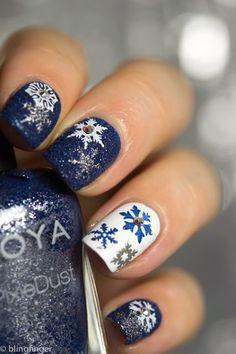 Winter Nail Art of Snowflakes Christmas Nail Art Designs