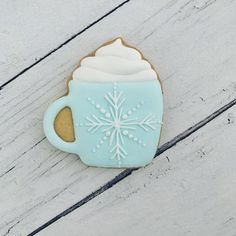 Biscuit décoré tasse d'hiver #biscuitsdécorés #decoratedcookies Creations, Tableware, Sweet, Desserts, Royal Icing, Decorated Sugar Cookies, Cuppa Tea, Winter, Candy