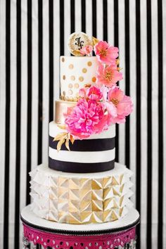 Wedding Cakes with Adorable Details; photo: Sofia Kuan Photography;