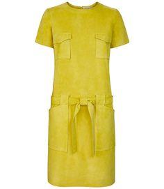 Побудь в моей шкуре: вещи и аксессуары из кожи и замши для весны. Платье, 56000 руб., Yves Salomon.