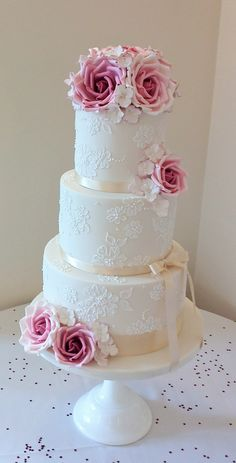 Stunning cake from Anna Tyler with beautiful hand crafted roses