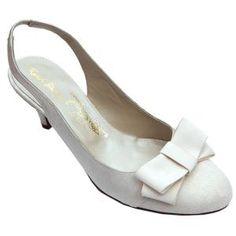 Google Image Result for http://lh3.google.com/_xcUb-K_EHJE/SvdpTCTLuhI/AAAAAAAABeE/OrY-2M7mQDw/bridal-shoes-8922.jpeg