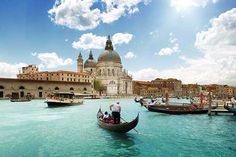 10 travels you must do 4.gondola, Venice