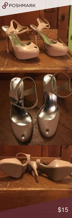 Beige platform heel peek toe Peek toe Bamboo beige platform heel never worn in perfect condition bamboo Shoes Platforms