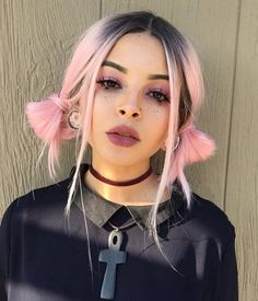 Gamay Hair Short Wavy Synthetic Lace Front Wigs Black Root to Pink Omber Lace Front Wig for Black Women Hair Color Purple, Green Hair, Pink Hair, Punk Hair Color, 90s Grunge Hair, Short Grunge Hair, Hair Inspo, Hair Inspiration, Undercut Designs