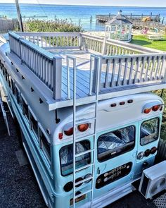 converted school bus camper with roof terrace # roof terrace # school bus # school bus # converted # camper Informations About umgebauten Schulbus Wohnmobil mit Dachterrasse Pin You can easily use my Bus Life, Camper Life, Camper Van, Bus Remodel, Trailer Remodel, School Bus Tiny House, School Bus Rv, Converted School Bus, Bus Living