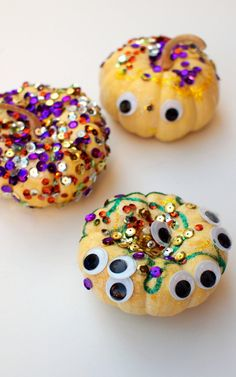 Sparkly and Googly No-Carve Pumpkins- Perfect for Preschool Halloween Crafting!
