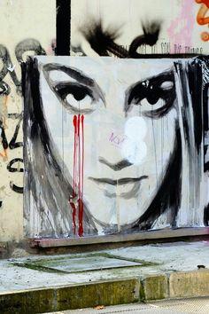 Paris 4 - place beaubourg - street art - konny