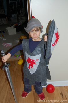 Homemade Knight Costume on www.wineandglue.com For Squire costume, pretty straight forward. :)