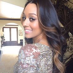 Tia Mowry with face-framing highlights. Beautiful!