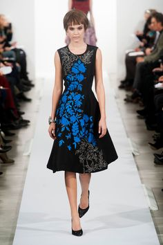 Oscar de la Renta Fall 2014-I absolutely love this dress!!!! Shame it'll cost me an arm and a leg!