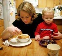 La Caja de Pandora: Las familias monomarentales son más pobres