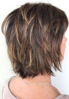 60 Short Shag Hairstyles That You Simply Can't Miss, Feathered Bob With Bangs And Highlights. Medium Shag Haircuts, Short Shag Hairstyles, Short Layered Haircuts, Haircuts With Bangs, Hairstyles With Bangs, Short Textured Hair, Short Hair With Layers, Short Hair Cuts, Layered Bob With Bangs