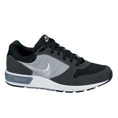 Mooie Nike nike nightgazer (Zwart/grey) Sneakers van het merk Nike. Uitgevoerd in black/grey.