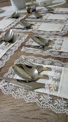table napkin layout – Home Decorating, Diy Abschnitt, Cork Crafts, Diy And Crafts, Fabric Placemats, Burlap Table Runners, Crochet Decoration, Sewing Crafts, Diy Home Decor, Table Napkin, Handmade