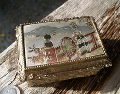 Vintage Japanese ornately crafted and handpainted music jewellry