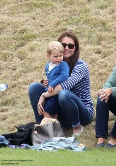 Catherine, Duchess of Cambridge and Prince George attend the Gigaset Charity Polo Match at Beaufort Polo Club on June 2015 in Tetbury, England. Prince George Alexander Louis, Prince William And Catherine, William Kate, Duchess Kate, Duchess Of Cambridge, Bebe Real, Princesse Kate Middleton, Herzogin Von Cambridge, Polo Match