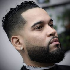 Match your cool hairstyle with an iconic low taper. See how you can modify this trend when you check out these low taper fade haircuts! Bald Taper Fade, Low Taper Fade Haircut, Top Hairstyles For Men, Cool Haircuts, Cool Hairstyles, Undercut With Beard, Pompadour Style, Wavy Curls, Hair Looks