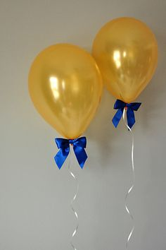 Royal Prince Baby Shower Decorations.  Ships in 1-3 business days.  Balloons with Bows (12″) 8CT + Curling Ribbon. by ConfettiMommaParty on Etsy https://www.etsy.com/listing/238980710/royal-prince-baby-shower-decorations