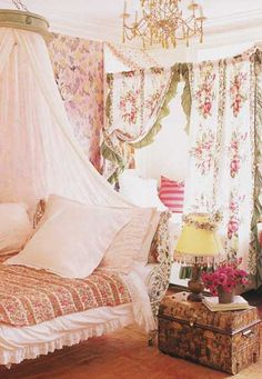 Love this rose room and that awesome bed!
