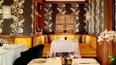 With an exceptional Michelin star and 4 AA Rosettes, ..♥♥... Seven Park Place at St. James's Hotel and Club is the latest exquisite dining destination from Executive Chef William Drabble