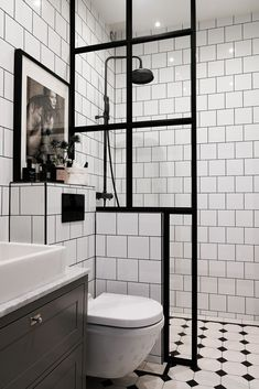 The Sleek and Stylish Wet Rooms for a Trendy Look! Modern Bathroom Decor, Bathroom Design Small, Bathroom Interior Design, White Bathroom, Mirror Bathroom, Bathroom Designs, Bathroom Ideas, Zebra Bathroom, Shower Tile Designs