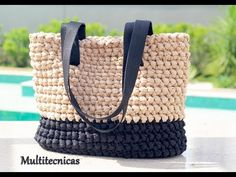 Bolsa fio de malha Multitecnicas - alça de lona - YouTube Crochet Shell Stitch, Crochet Stitches, Crochet Patterns, Crochet Bag Tutorials, Crochet Videos, Crochet Handbags, Crochet Purses, Diy Bags Purses, Yarn Bag