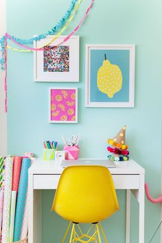 This bright and colorful office makeover is easy to do and perfect for anyone who is renting.