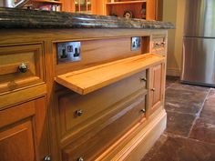 plug sockets in kitchen island