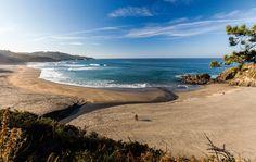 Playa de Frexulfe / Frejulfe #Navia #playa #beach #Asturias #ParaísoNatural #NaturalParadise #Spain Surf, Paraiso Natural, Places To See, Cabo, Paradise, Playa Beach, Hotels, Summer, Outdoor