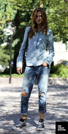 รองเท้า Converse All Star สีดำ พื้นขาว เสื้อยีนส์ กางเกงยีนส์ Josephine Skriver