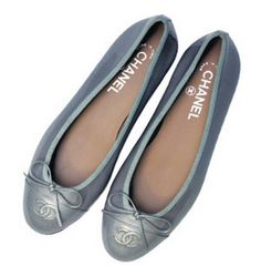 Chanel 'A woman with good shoes is never ugly' claimed Coco Chanel, and her - The Independent Chanel Flats, Chanel Chanel, Coco Chanel Fashion, Chanel Brand, Fashion Shoes, Fashion Fashion, Runway Fashion, Fashion Trends, Trendy Shoes