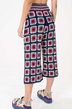 New Ideas crochet skirt tutorial granny squares Shorts Crochet, Crochet Skirt Pattern, Crochet Jumper, Crochet Edging Patterns, Crochet Skirts, Crochet Clothes, Knit Crochet, Crochet Hat For Women, Skirt Tutorial