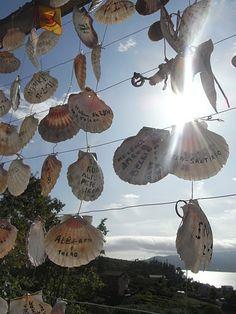Camino de Santiago, ofrenda de conchas