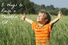 5 Ways to Raise a Thankful Kid #spon