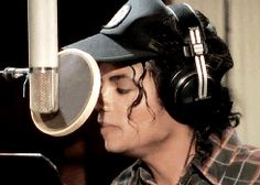 Welcome To MJJCommunity - Michael Jackson Community - Official Fan Club Forum. An MTV Award winning community for the fans of Michael Jackson