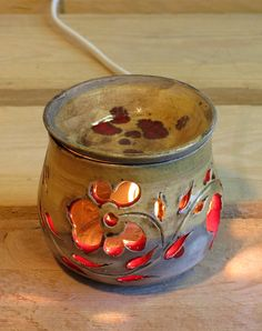 Raku Pottery, Pottery Mugs, Pottery Art, Pottery Lessons, Pottery Classes, Hand Built Pottery, Hand Thrown Pottery, Ceramic Painting, Ceramic Art