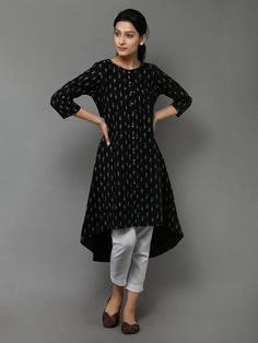 Kurthi for house Oil Painting famous oil paintings Simple Kurti Designs, Kurta Designs Women, Salwar Designs, Kurti Designs Party Wear, Blouse Designs, Short Kurti Designs, Kurtha Designs, Kurta Patterns, Kurta Neck Design