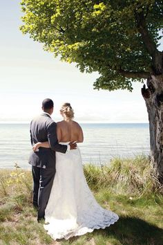 Photographer: Lauren Sammon (LNSammon@gmail.com)  Wedding Location: Holland, Michigan