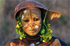 'In the confines of Ethiopia in Africa, centuries away from modernity, Hans Sylvester photographed during six years the tribes where men, women, children, old people, are geniuses of an ancient art, body painting.  Here is a large gallery of photos of Omo Tribes Adornment.    The Omo Tribes are genius of body painting, and their bodies of two metres high is a huge canvas.'