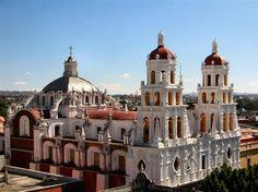 México lo tiene todo. Desde playas alucinantes y paradisiacas hasta ciudades coloniales y ruinas mayas. Hay mucho por explorar en esta mágica tierra llena de color. Aquí 10 destinos que no puedes perderte.