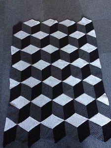 3d illusion afghan block pattern | Diamond Blanket - Interesting and Unusual Crochet Afghans!