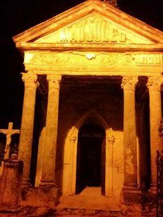 El cementerio general de Mérida en la reciente Noche Blanca tras disfrutar de la terrorífica película Mask