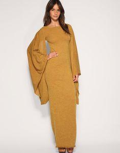 Medieval European Woman wearing look.