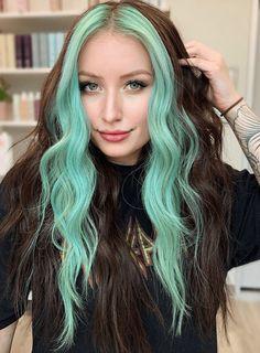 Two Color Hair, Cute Hair Colors, Hair Color Streaks, Hair Dye Colors, Cool Hair Color, Color Block Hair, Emerald Hair, Permanent Hair Color, Demi Permanent