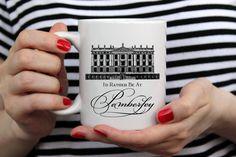 Jane Austen | Orgoglio e pregiudizio ispirato 11 once tazza di caffè in ceramica | Regalo per compleanni, inaugurazione della casa, gli insegnanti, grazie, matrimonio, fidanzamento di PonderandDream su Etsy https://www.etsy.com/it/listing/464880268/jane-austen-o-orgoglio-e-pregiudizio