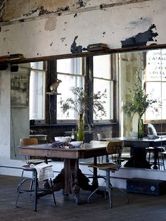 Best interior design for your sweet home. Industrial Interiors, Rustic Industrial, Interior Architecture, Interior And Exterior, Turbulence Deco, Gravity Home, Piece A Vivre, Lofts, Beautiful Space