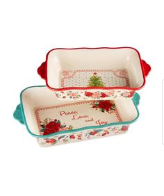 The Pioneer Woman Cheerful Rose Bakeware Set Stoneware Bakeware, Kitchenware, Pioneer Woman Kitchen, Pioneer Woman Bakeware, Single Serve Blenders, Oven Dishes, Holiday Themes, Holiday Decor, Hostess Gifts